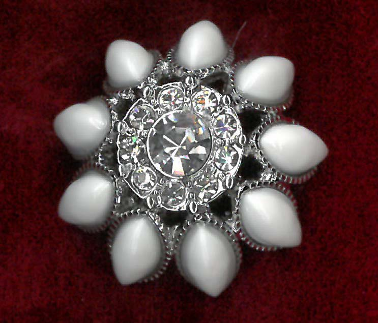 MAGENTIC BROOCH - IV/NICKEL
