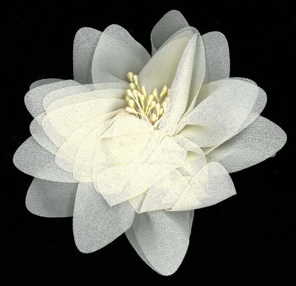 FLOWER BROOCH - DK IVORY