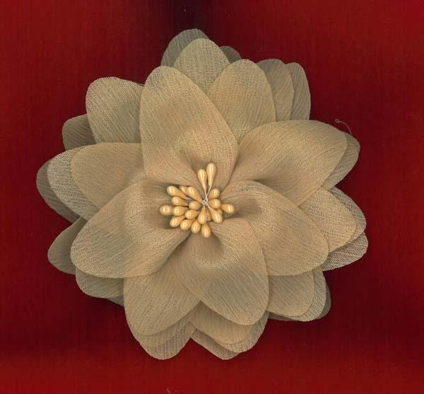 FLOWER BROOCH - HONEY